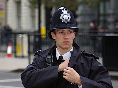 5000-pic-policeman.jpg