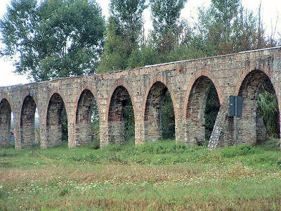 an analysis of roman aqueducts an engineering brilliance An engineering enthusiast's analysis for fellow engineering enthusiasts the arch bridges that symbolize the roman aqueducts only represent a fraction eye for engineering exists as an insightful window into the universe of engineering.