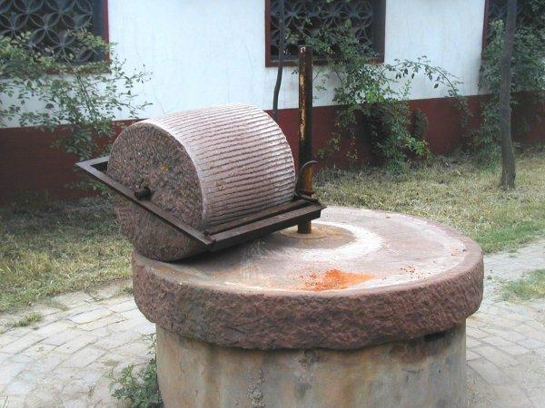 Grinding stone xuchang henan for Large rocks for sale near me